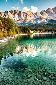 The (for me) 4 most beautiful lakes in Bavaria! - Eibsee in Bavaria. My 4 most beautiful lakes in Bavaria! – Königsee, Chiemsee, Eibsee and Walche - Beautiful Landscape Photography, Beautiful Landscapes, Photography Aesthetic, Places To Travel, Places To See, Europa Tour, Landscape Arquitecture, Nature Landscape, Photo Images