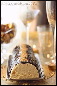 Bûche fondante à la poire et au caramel au beurre salé. Très bon mais trop riche !!