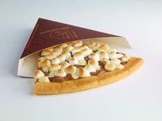 チョコのピザにチョコの注射器! 世界中で大人気のチョコレートバー「MAX BRENNER」が日本上陸