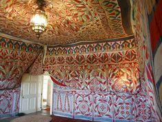 'Tent Room' of Doddington Hall, Lincolnshire, UK. This is a restored late-nineteenth century Egyptian Khayamiya. In the original tents the colorful interior layer was quilted to a heavier plain exterior material. Cairo, Interior Design Tips, Interior And Exterior, Tent Room, Tent Design, Ethnic Decor, Amazing Street Art, Room Doors, Red Interiors