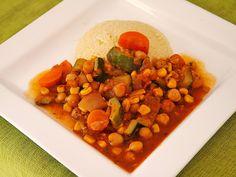 Couscous mit Kichererbsen und Zucchini