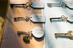 Vintage Wedding: Key Place Cards