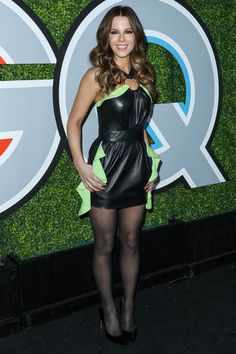 Black tights and stockings. — Kate Beckinsale in Black pantyhose Pantyhose Outfits, Black Pantyhose, Black Tights, Nylons Heels, Beautiful Legs, Gorgeous Women, Sexy Outfits, Sexy Dresses, Gq