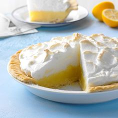 Classic Lemon Meringue Pie - - This is the one and only lemon meringue pie recipe you'll ever need. The flaky and tender from-scratch crust is worth the effort. Lemon Desserts, Köstliche Desserts, Delicious Desserts, Dessert Recipes, Mini Lemon Meringue Pies, Lemon Custard, Vintage Recipes, Pie Recipes, Sweet Tooth