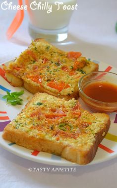 Tasty Appetite: How to make Cheese Chilli Toast / Healthy Breakfast Ideas: Healthy Breakfast Menu, Nutritious Breakfast, Breakfast Pizza, Breakfast Dishes, Breakfast Recipes, Breakfast Ideas, Breakfast Time, Quick Snacks, Yummy Snacks
