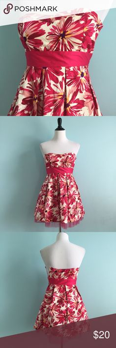 Strapless Pink Floral Dress Adorable strapless pleated dress with bright pink floral print. Size small by forever 21. In excellent condition. Pink tulle shows under bottom hem, creating a full skirt. Doesn't quite fit my 6/8 mannequin, so probably fits a 2-4 best. Forever 21 Dresses Strapless