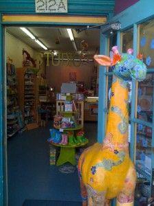 Love the giraffe.