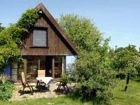 Ideal für große Familien - das Reetdachhaus in Zirkow auf Rügen bietet Platz für 12 Personen.