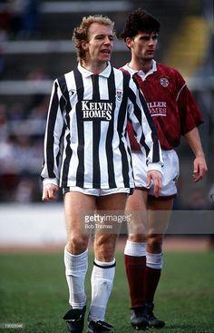 Scottish Premier Division, Scotland, 31st March 1991, St Mirren 0 v Heart of Midlothian 0, St Mirren's Steve Archibald and Hearts' Craig Levein.