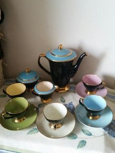 '50's coffee set. Pastel black and gold. Antique wow.