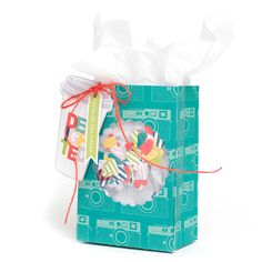 Window Gift Bag by @AmericanCrafts using the Fuse from @WeRMemoryKeepers