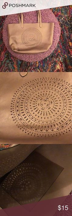 """Perforated Platinum Payless Purse My alliteration doesn't do this justice. I love this bag but just haven't used it much. Despite the brand name it's in great condition and quality. The inside is actually very soft but smooth. A great color sort of a mix between silver and gold. In great condition both inside and out. Measurements in the pictures. About 19""""x12"""". Perfect for the holiday and winter season. Payless Bags Shoulder Bags"""