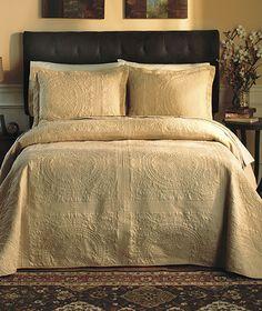 Matelassé Bedspreads
