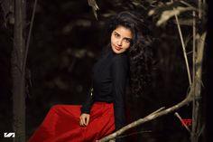 Actress Anupama Parameswaran Gorgeous New Stills - Social News XYZ Hindi Actress, Malayalam Actress, Tamil Actress Photos, Bollywood Actress, Hd Photos, Girl Photos, Anupama Parameswaran, Poses For Men, Stylish Girl Pic