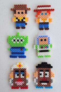 Perler Bead Designs, Easy Perler Bead Patterns, Melty Bead Patterns, Perler Bead Templates, Hama Beads Design, Beading Patterns, Easy Perler Beads Ideas, Disney Hama Beads Pattern, Beading Tutorials