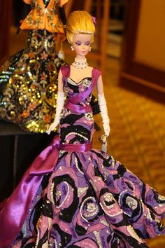 Italian doll convention in Milan: the salesroom on Sunday | Barbie, gown