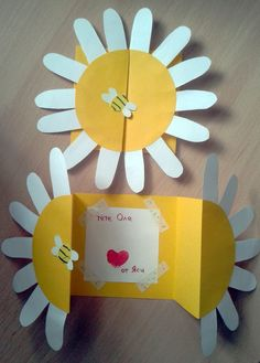 Mothers Day Crafts For Kids Easy Cards Mothers Day Card Template, Mothers Day Cards, Happy Mothers, Mothers Day Crafts For Kids, Diy Crafts For Kids, Sun Crafts, Diy Birthday, Birthday Cards, Happy Mother's Day Card