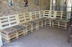 Sassy Sparrow: DIY Outdoor Patio Furniture from Pallets