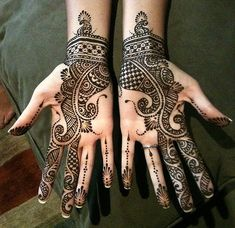 Anita bridal by Nomad Heart Henna, via Flickr. I don't mind this one... especially since the wrist design has the architectural feel I love.