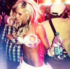 #rave #girl #blonde #fashion #edm #outfit #dance