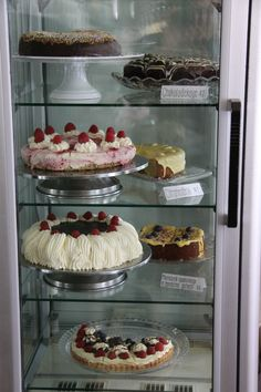 More Cakes at Tante T