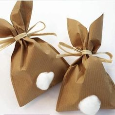 Crafting instructions for cute bunny bags made of wrapping paper - Bunny Party - Oster Bunny Party, Easter Party, Easter Gift, Easter Crafts, Crafts For Kids, Easter Presents, Kids Diy, Happy Easter, Bunny Bags