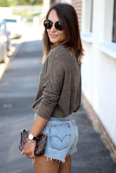 @Yuliyamodeuse adopte un look de #rentrée avec ce #pull fin #babou à 12€ !