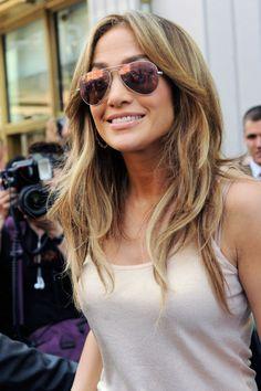 Jennifer Lopez : hair and glasses