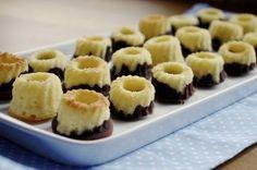 Minigugl - drei aus einem Grundteig Gourmet Desserts, Just Desserts, Mini Cakes, Cupcake Cakes, Cake Unicornio, Sweet Recipes, Cake Recipes, Baked Bakery, Banana Cupcakes