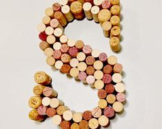 29 Smart and Ingenious Wine Cork DIY Crafts To Do Right Now usefuldiyprojects Wine Cork Letters, Wine Cork Art, Wine Cork Crafts, Wine Bottle Crafts, Wine Corks, 3d Letters, Wine Cork Projects, Diy Projects, Crafts To Do