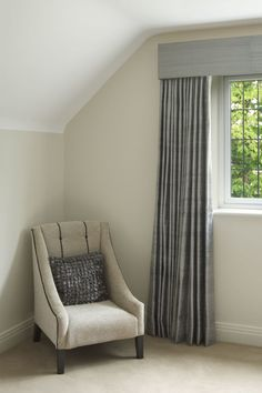 If you're simply covering a small-to-medium-size window (36–60 inches wide), you'll want to go with one single-width panel on each side, according to Houzz. For custom or DIY window treatments, eHow recommends that you measure the width of the window, then add 1–3 inches for each side. Then, multiply the rod length by 1.5 for minimum fullness, 2 for medium fullness and 2.5 for an extra-full look.
