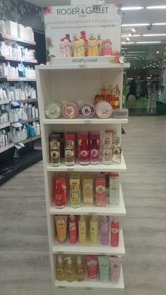 ¡¡ Os presentamos la gama de ROGER & GALLET !!. En la farmacia hemos apostado por esta increíble marca, ven y prueba sus perfumes y jabones. ¡¡Naturalmente irresistible!! http://www.roger-gallet.es/ Feliz Martes, Farmacia Estación de Sants.
