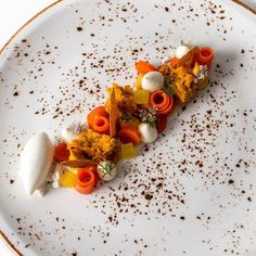 Orange cake and candied fruit - HQ Recipes Candied Carrots, Candied Fruit, 1234 Cake, Fancy Food Presentation, Ginger Ice Cream, Michelin Star Food, Pastry Art, Orange Recipes, Cake Tins