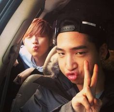 B1A4's Baro and Sandeul Aim For A Kissy Selca More: http://www.kpopstarz.com/articles/67181/20131125/b1a4s-baro-and-sandeul-aim-for-a-kissy-selca.htm