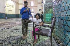 Mosque, Shah Nematollah Vali Shrine, Mahan, Iran, 2017 #mosque #mesita #iran #shah #nematollah #vali #shrine #children #people