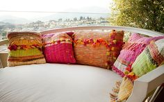 :: Bienvenidos :: Telaresisa.cl :: Weaving Projects, Weaving Art, Loom Weaving, Hand Weaving, Accent Pillows, Throw Pillows, Textiles, The Way Home, Rug Hooking
