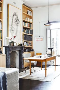 I'm a Feng Shui Expert—and I Would Never Lay Out My Home Office This Way via @MyDomaine
