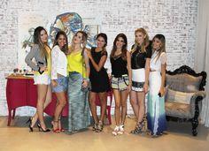 Gente, ontem a Camélia moda promoveu um encontrinho super bacana com as top bloggers de Fortaleza lá na Casa de Moá e, claro, estava lá registrando tudo. ;)