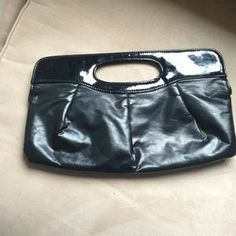 I just discovered this while shopping on Poshmark: Basic black handbag/clutch. Check it out!  Size: OS