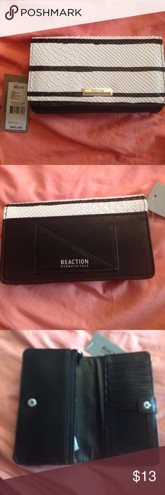 🎉Kenneth Cole wallet🎉 final sale Brand new with tags Kenneth Cole Reaction Bags Wallets