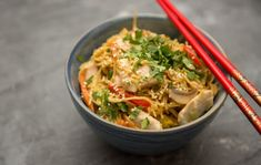 Wok, Japchae, Thai Red Curry, Poultry, Food And Drink, Chinese, Pasta, Healthy Recipes, Meat