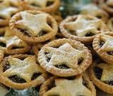 It's mince pie season finally and these look mouthwatering. Mince Pies, Yule, Samhain Recipes, Wicca Recipes, Halloween Tags, Samhain Halloween, Halloween Baking, Samhain Ritual, Soul Cake