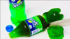How to make a giant soda bottle gummy - crazy DIYs you simply have to see. Now wonder how these giant gummies taste..