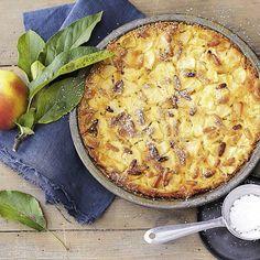 Dolce Vita aus Italien: Diesen schnellen Apfelkuchen servieren die Italiener lauwarm als Dessert.