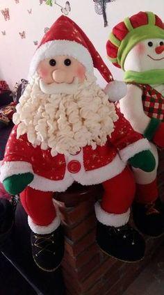 Vintage Christmas, Christmas Crafts, Merry Christmas, Christmas Decorations, Xmas, Holiday Decor, Santa Snow Globe, Loom Knitting Patterns, Elf On The Shelf