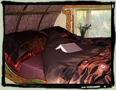 Wriggles Brook Gypsy B&B bed....looks delicious