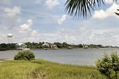 If you're looking for a simple, relaxing get-away-from-it-all, then Cedar Key, Florida​ might be just what you're looking for!