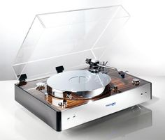 Thorens TD 550 - The Reference Turntable! Available Visual Solutions Group 9340 W. Platine Vinyle Audiophile, Platine Vinyle Thorens, Radios, Audio Vintage, Poste Radio, Audiophile Turntable, High End Turntables, Cassette Vhs, Hi End