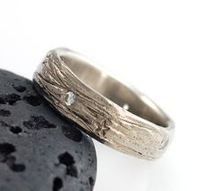 Galaxy Ring by Beth Cyr - She's doing a free giveaway for this ring   !!! Visit her blog before 5/16 to enter.