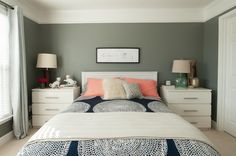 Ikea malm dressers as night stands Gray Bedroom, Trendy Bedroom, Bedroom Colors, Home Bedroom, Bedroom Wall, Bedroom Decor, Bedrooms, Ikea Nightstand, Ikea Malm Dresser
